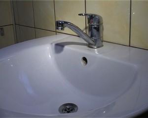 robinet- chiuveta- apa- botosani