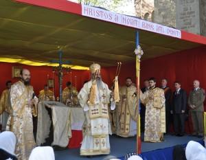 IPS Teofan la Slujba Sfantul Gheorghe Botoşani