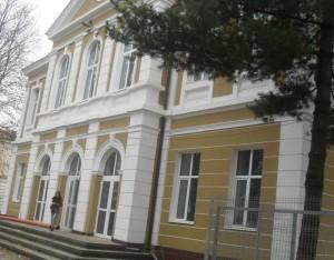 noua cladirea a Centrului Militar