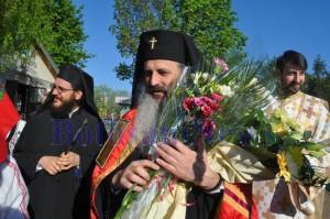IPS Teofan la Biserica Sfintii Petru si pavel Botosani 035