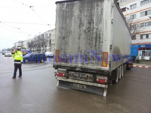 intersectie blocata camion politist calea nationala botosani