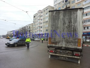 intersectie blocata camion politist calea nationala botosani1