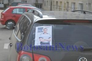 masina cu poster marian godina1