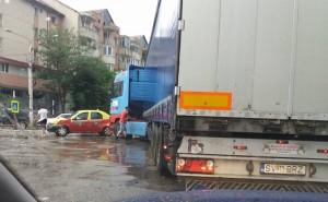 accident tir- taxi botosani
