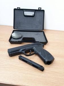 pistol frontiera botosani confiscat