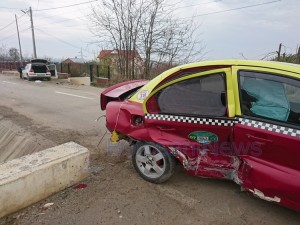 accident taxi curtesti baiceni 3 jpg