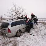 stiri, botosani, stiri din botosani, masina in mal de pamant, accident victoria (1)