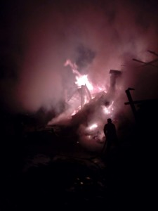 incendiu, furaje, stauceni, victoria, stiri, pompieri, botosani noaptea (2)
