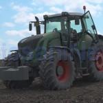 stiri, botosani, stiri din botosani, tractor, camp (2)