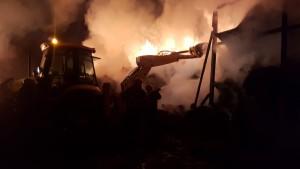 incendiu furaje, stiri, botosani, pompieri, corlateni (2)